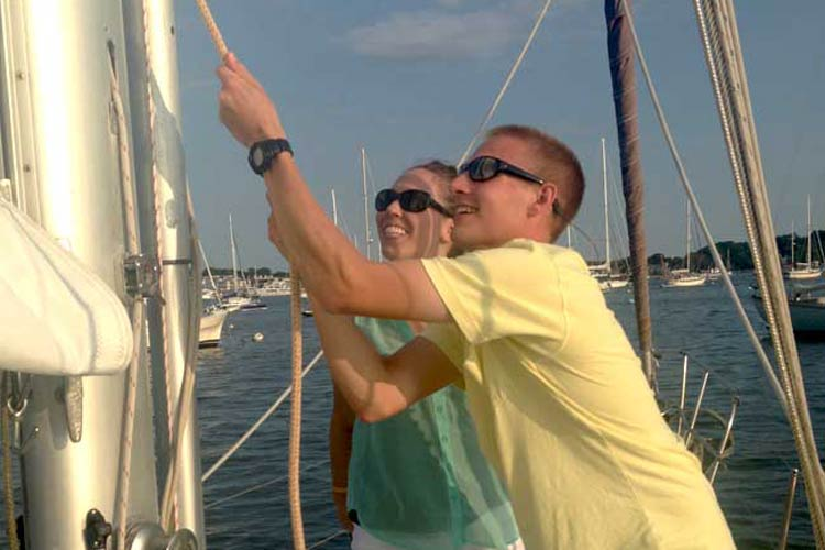Learn sail handling together